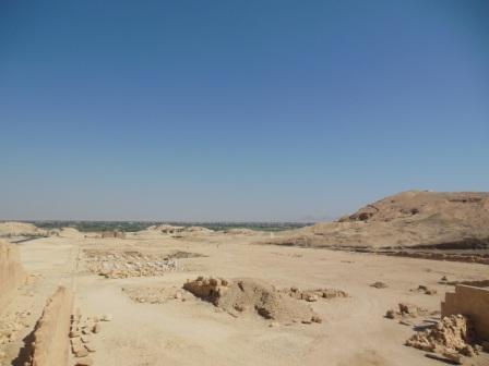 Egypt (Hatshepsut temple, King's Valley) 2014: Can you see the Nile?